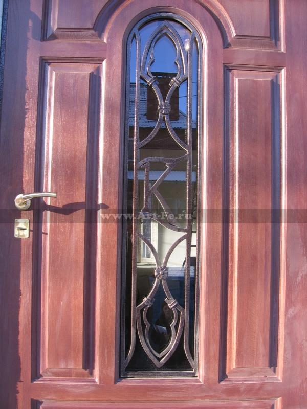 Кованая решетка на дверь