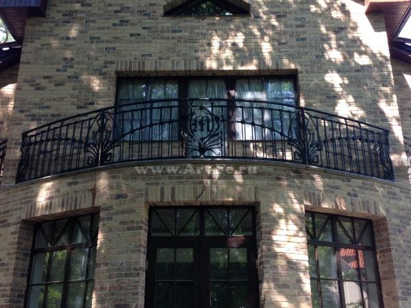 Кованый балкон в стиле Югенд
