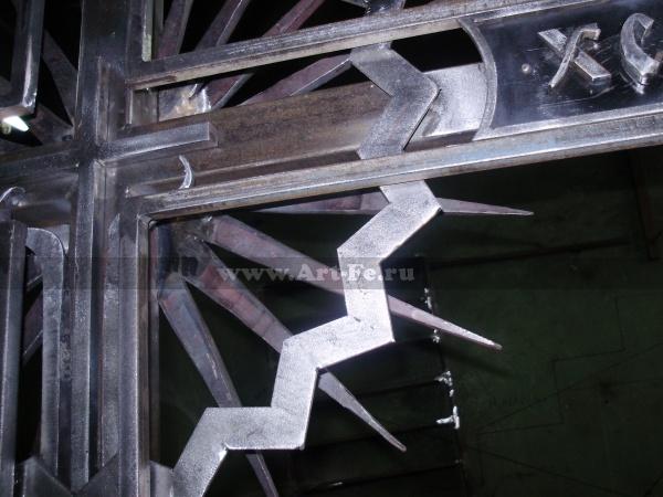 кованый крест на могилу, фрагмент сборки