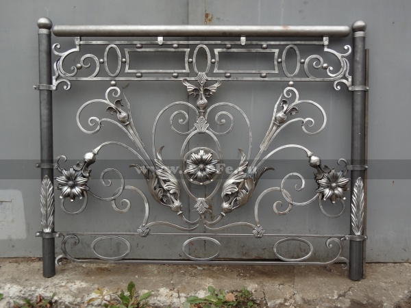 Кованые перила в стиле барокко (фрагмент)