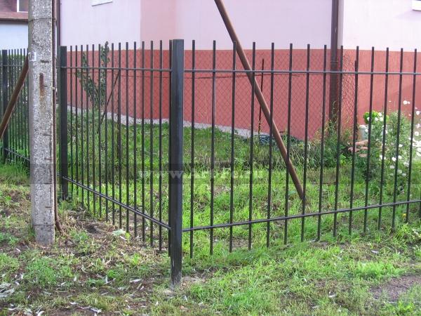Простой забор и прутка