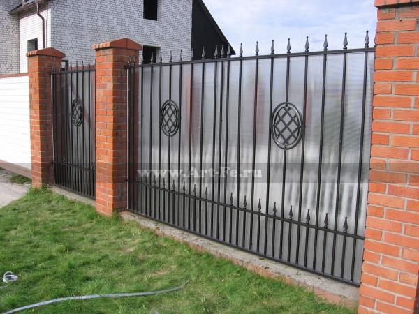 Сварной железный забор