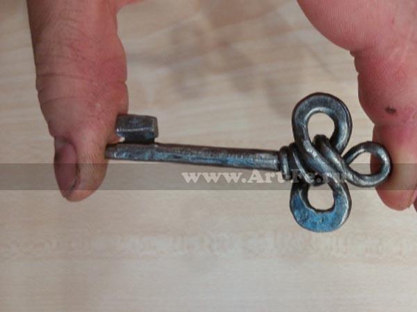 Кованый ключ