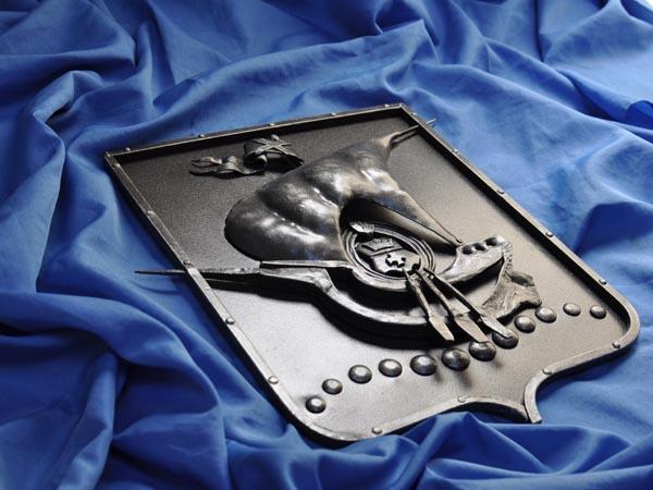 Кованый герб Калининграда, изготовлен без сварки